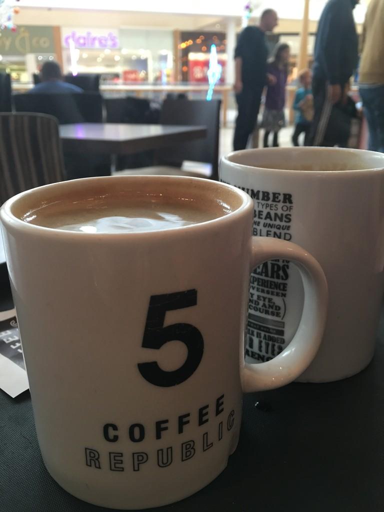 Coffee Break by bizziebeeme