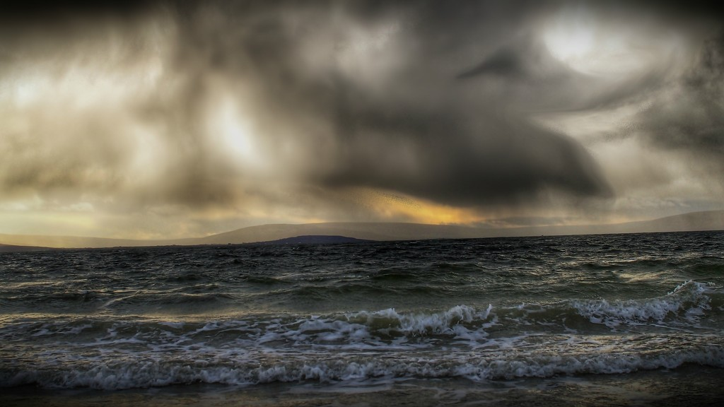 The Galway Bay, Sea Storm Thingy.... by jack4john