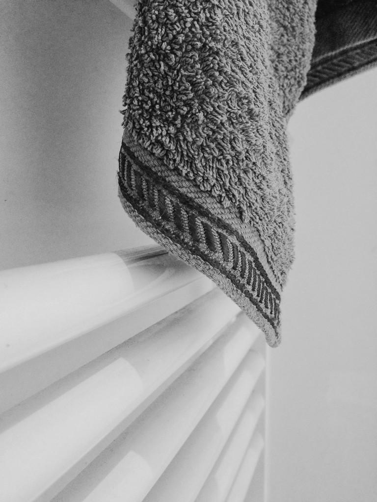 Towel by overalvandaan