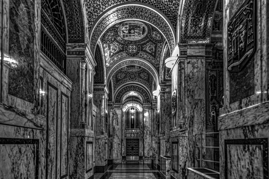 """A """"Small"""" Aisle in St Louis' Cathedral by taffy"""