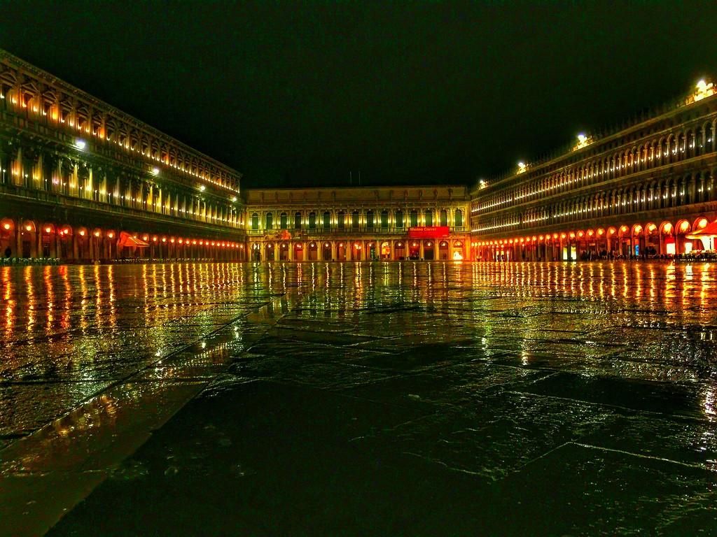 San Marco by night.... by cocobella