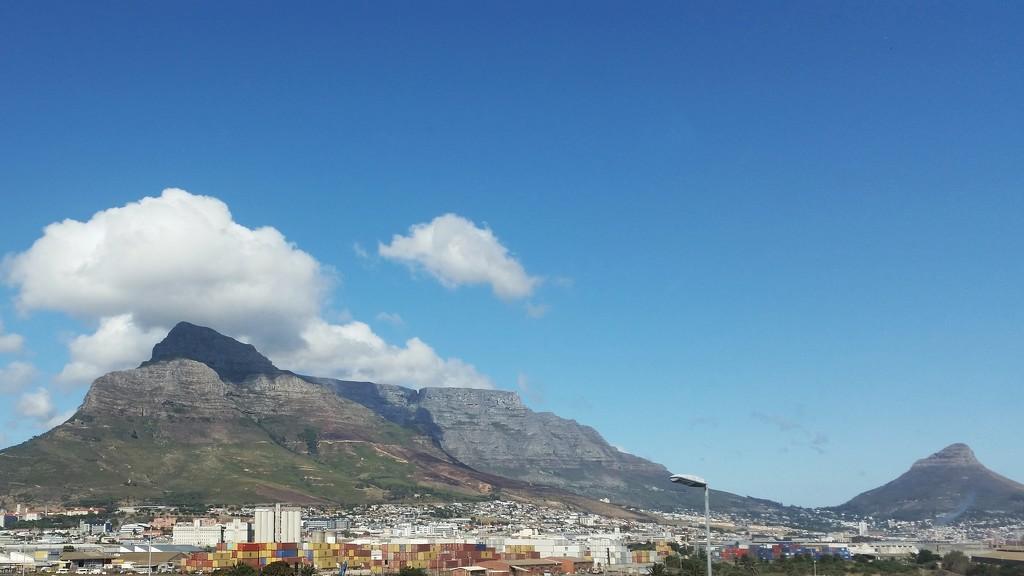 Table Mountain  by salza