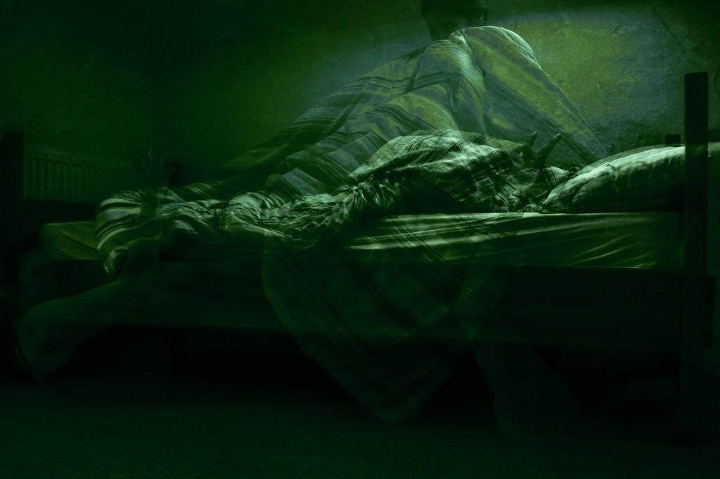 Lurking in the dark by overalvandaan