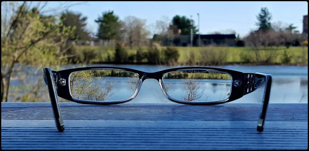 Mundane Challenge - Glasses by jo38
