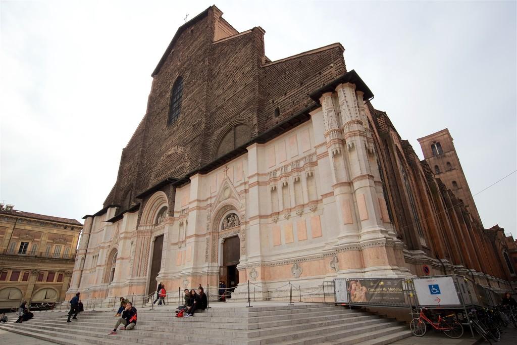 San Petronio Basilica Exterior by jyokota