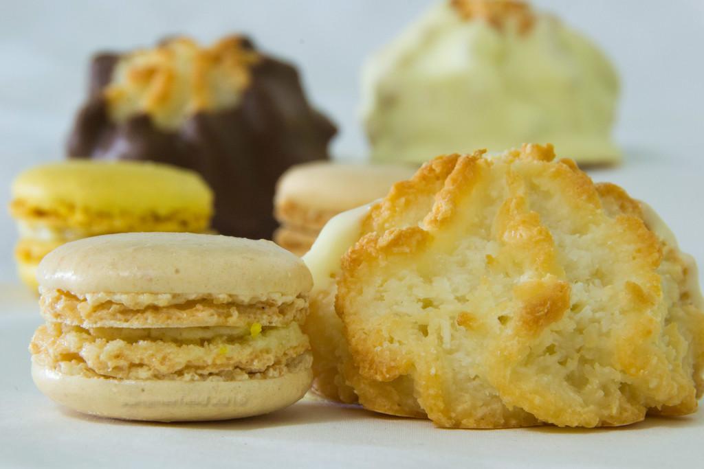 macaron vs macaroon - here's the lowdown by summerfield