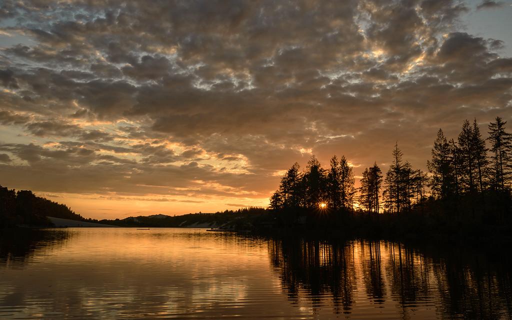 Sun Star At Sunset On Cleowax  by jgpittenger