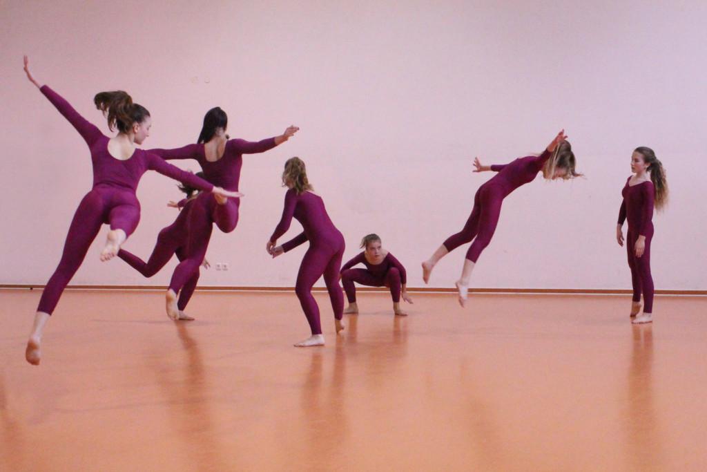 Little dancers by cherrymartina