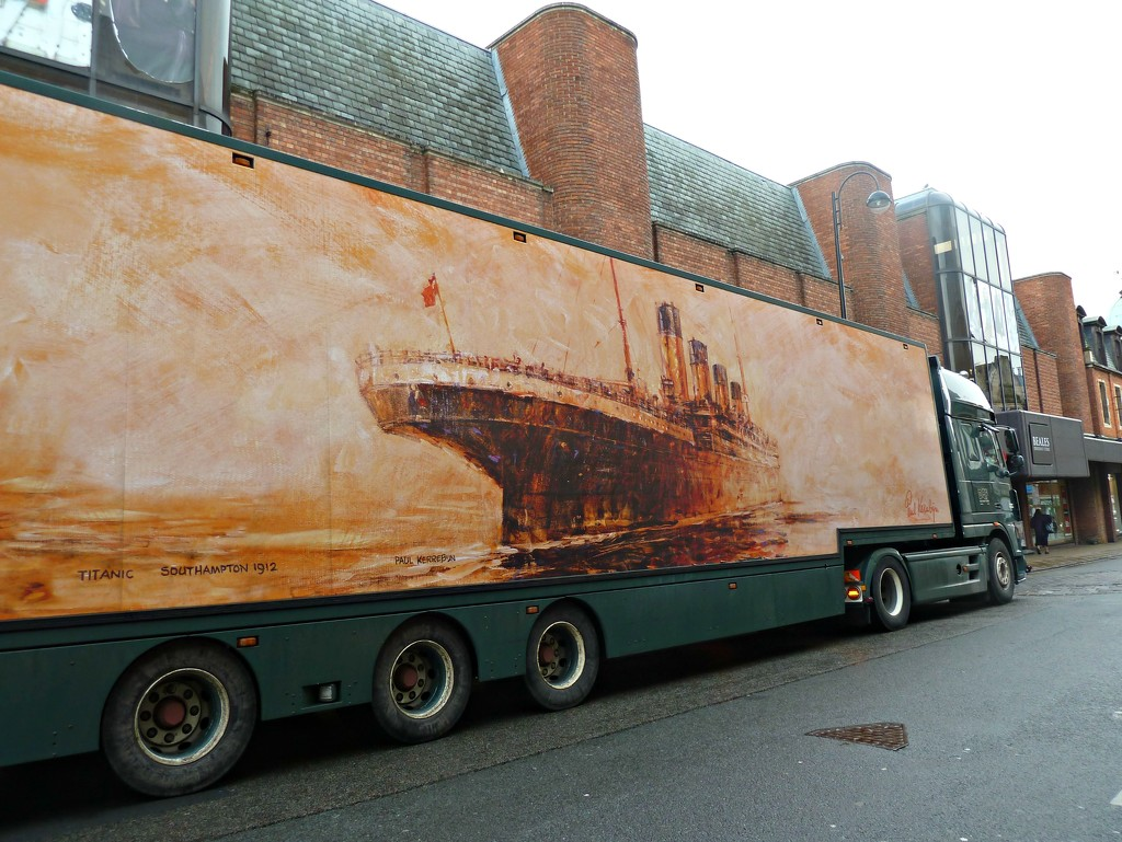 Titanic  Lorry. by wendyfrost
