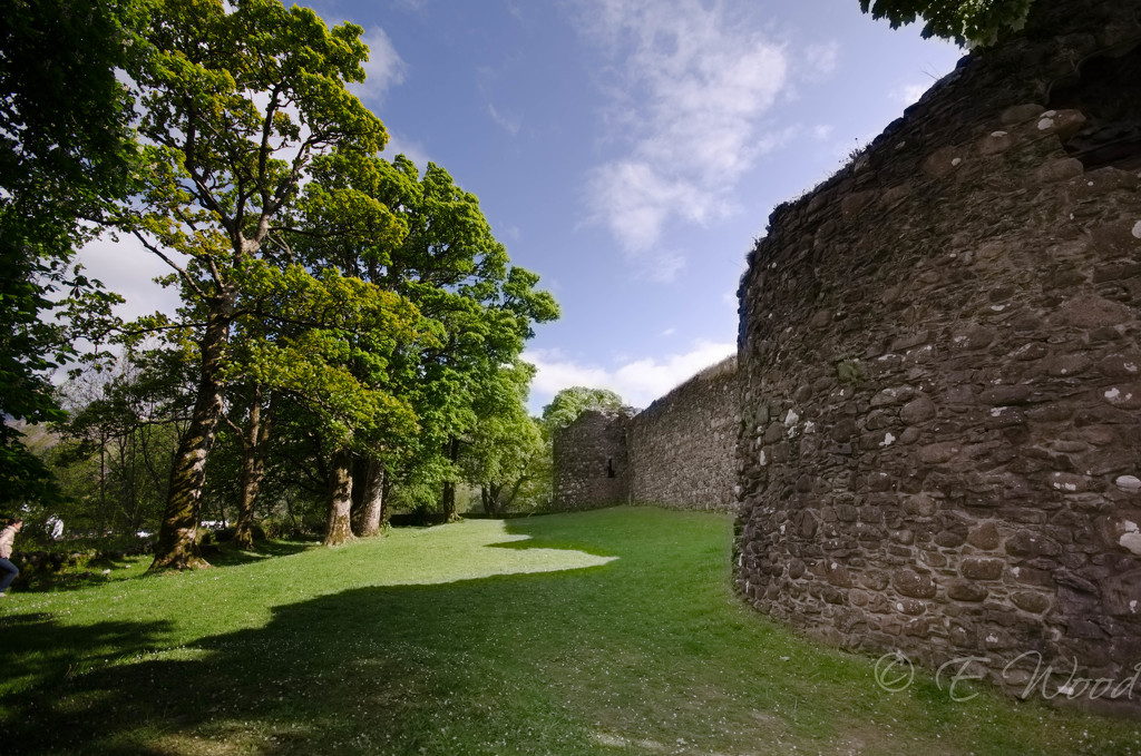 Inverlochy Castle by eileenw