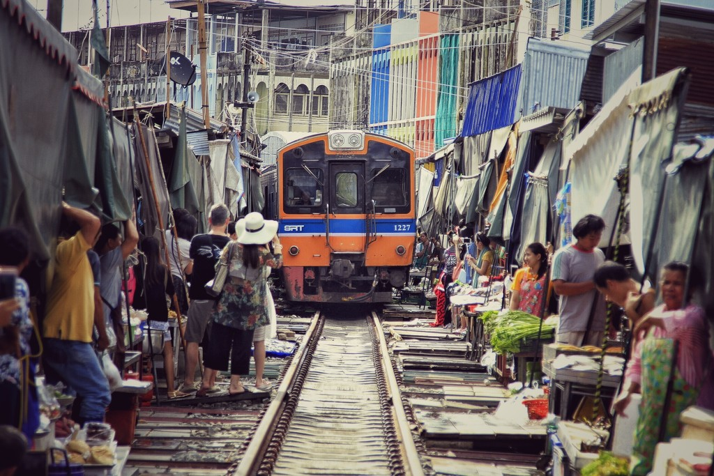 Samut Songkhram, railway market. by leananiemand