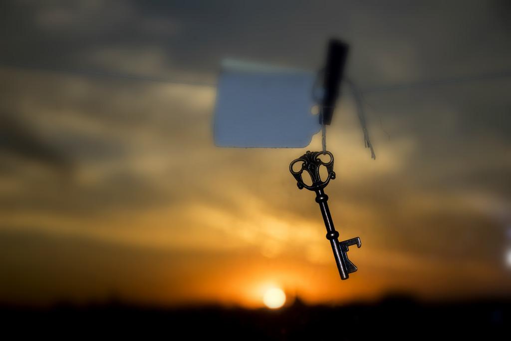 key-cum-bottle opener  by summerfield