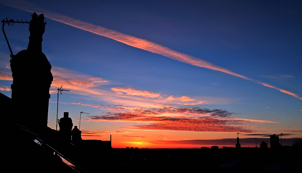 Sunrise over Leeds  by rich57