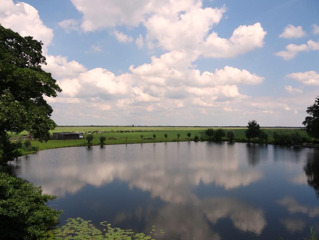 cloud reflection by gijsje