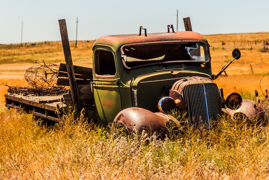 Abandoned Flatbed Truck by clay88
