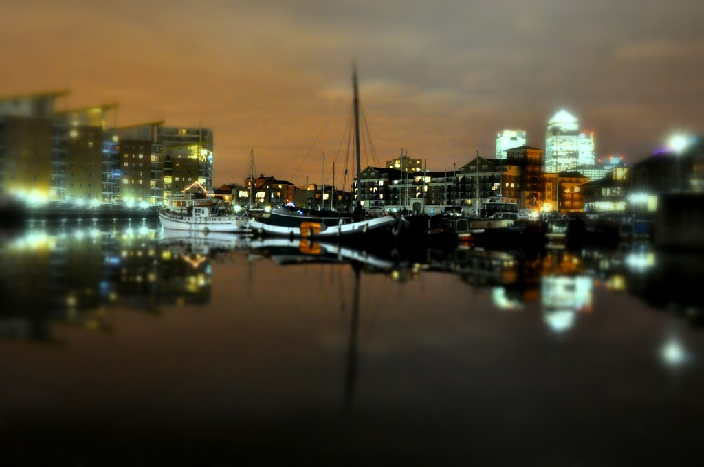 Limehouse Basin by andycoleborn