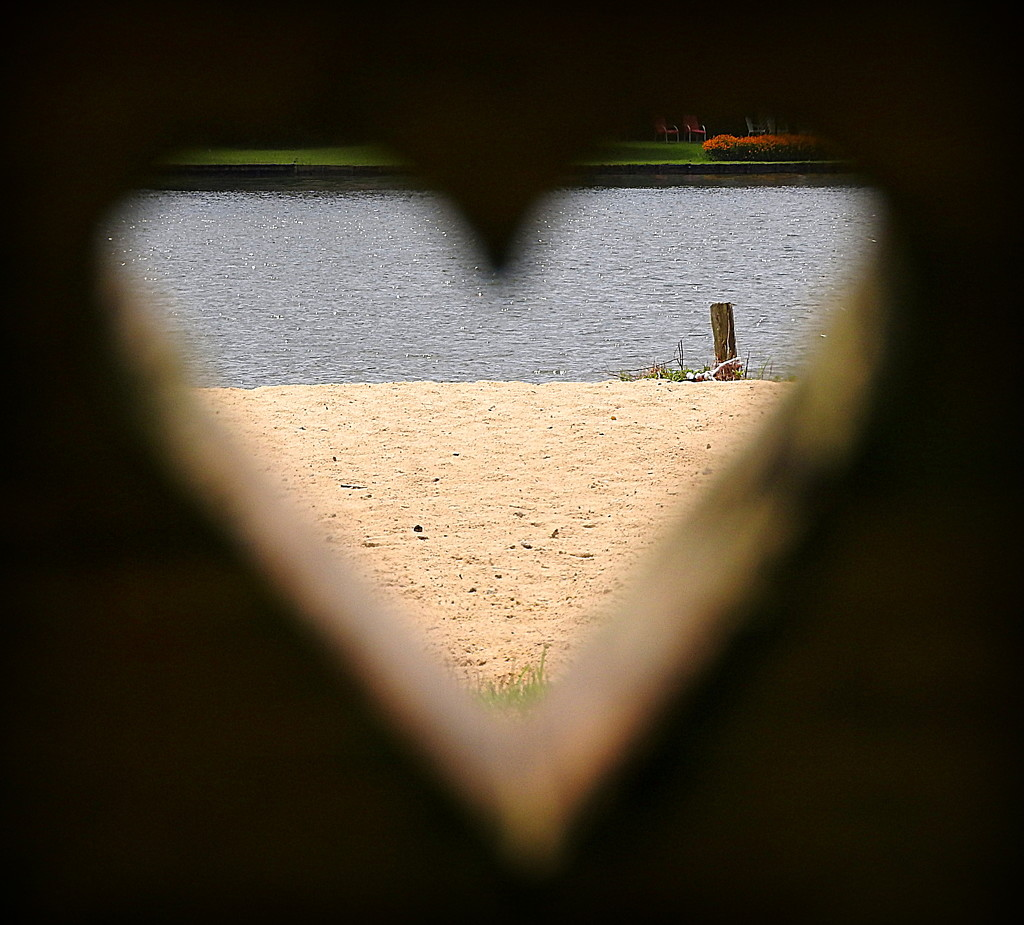I heart the beach! by homeschoolmom