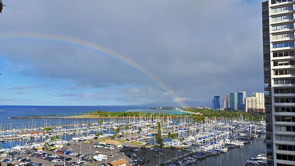 Waikiki Rainbow by bambilee