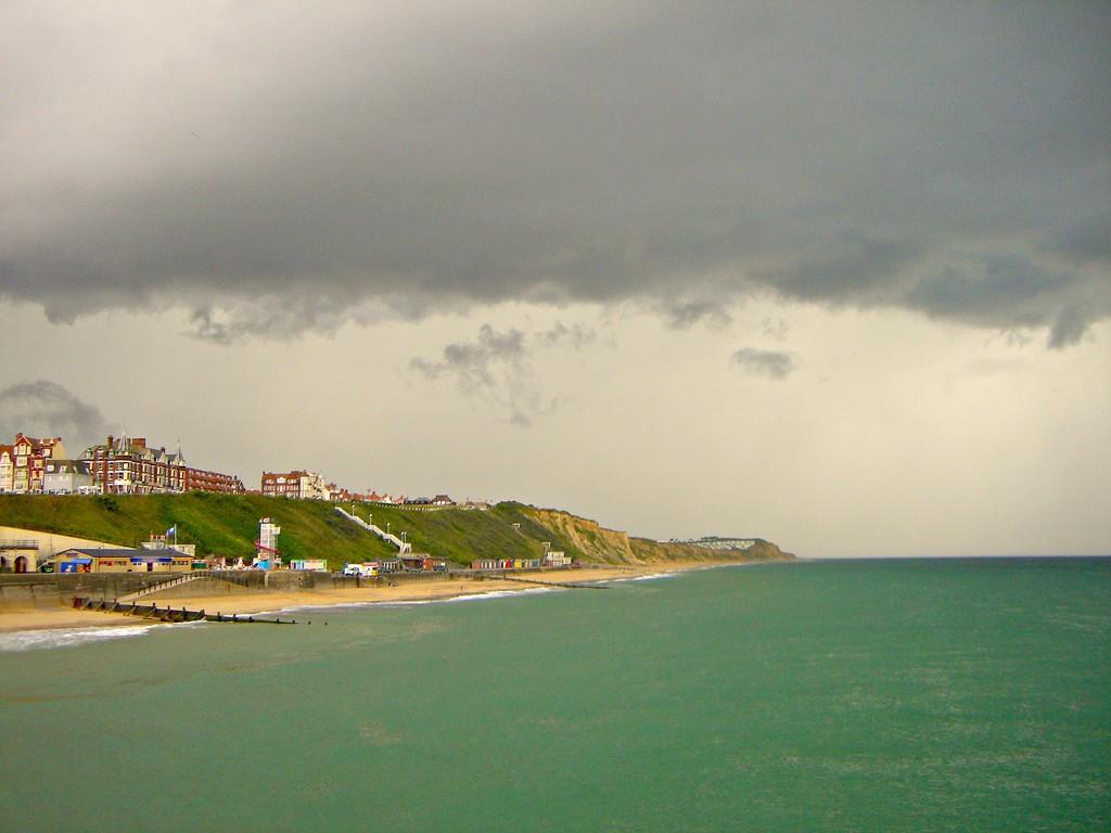 Cromer Beach. by wendyfrost