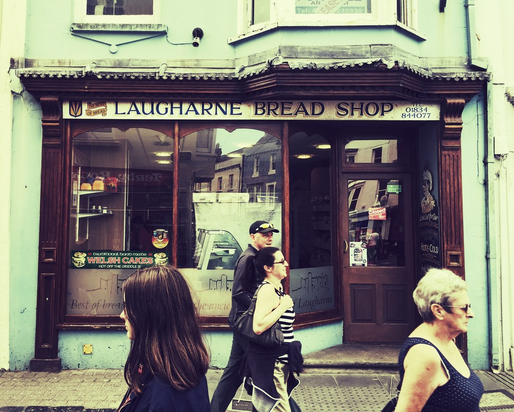 Laugharne Bread Shop by rich57