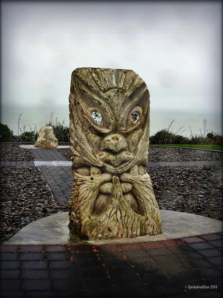 Ngaruni Beach Sculpture by yorkshirekiwi