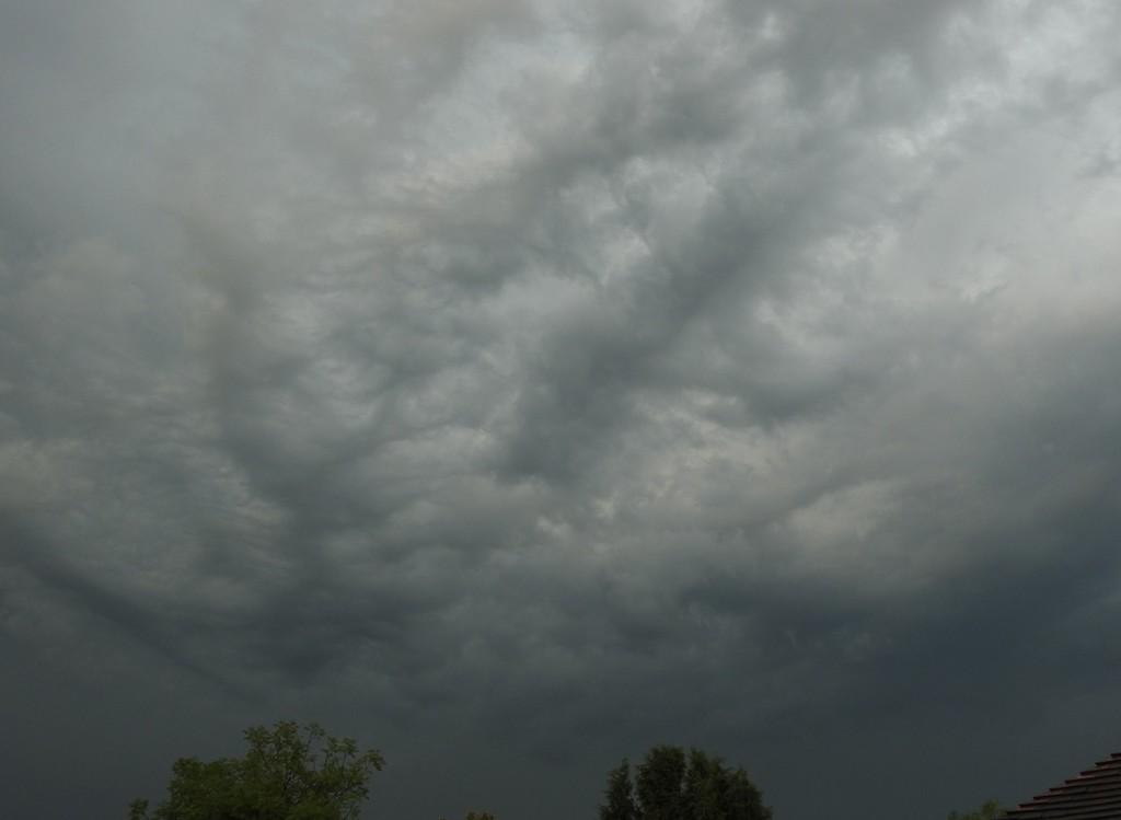 Stormy sky by roachling