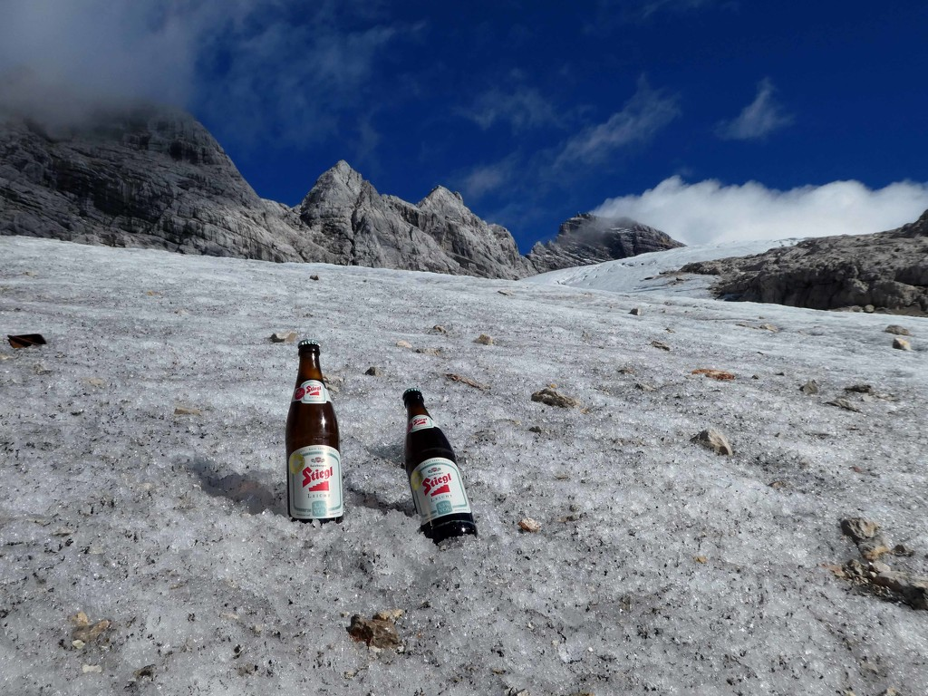 Cold beer anyone? by cmp