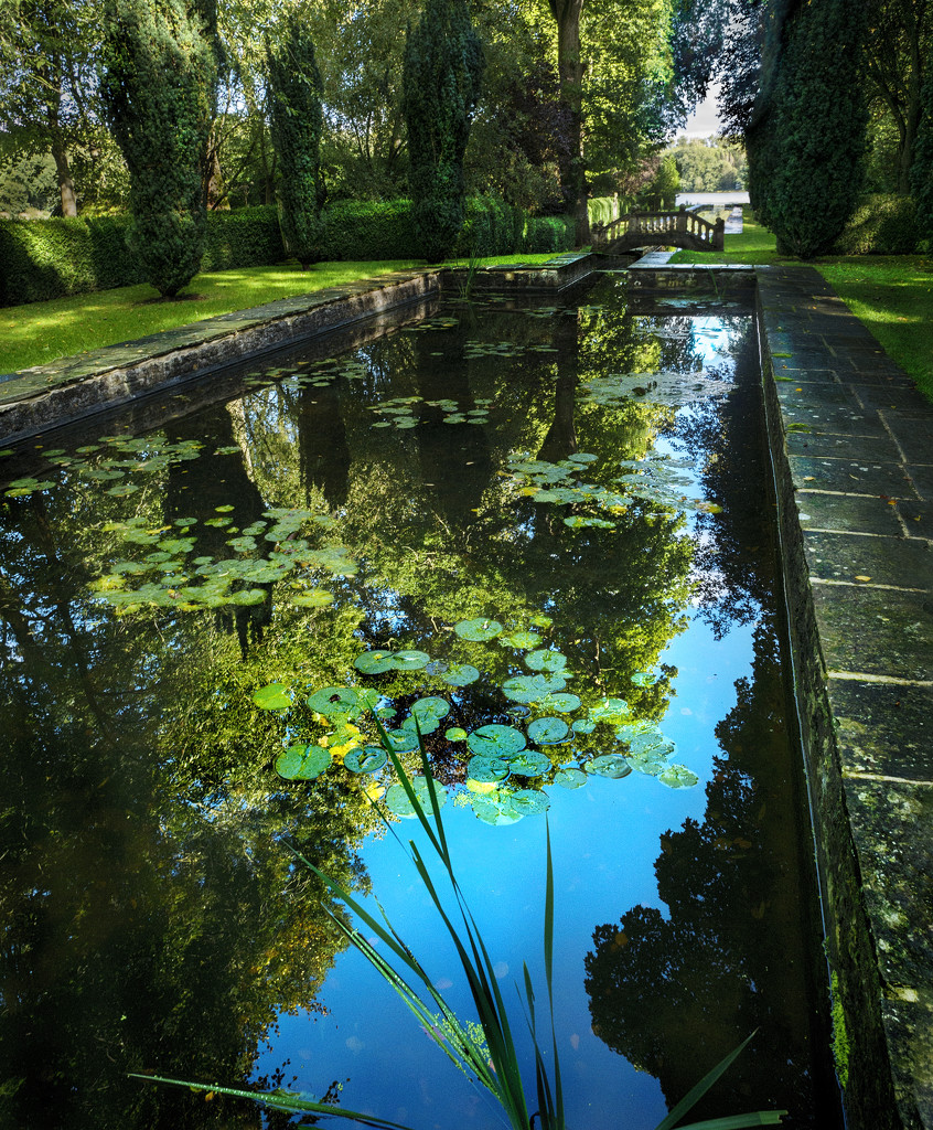 Buscot Park by lupus