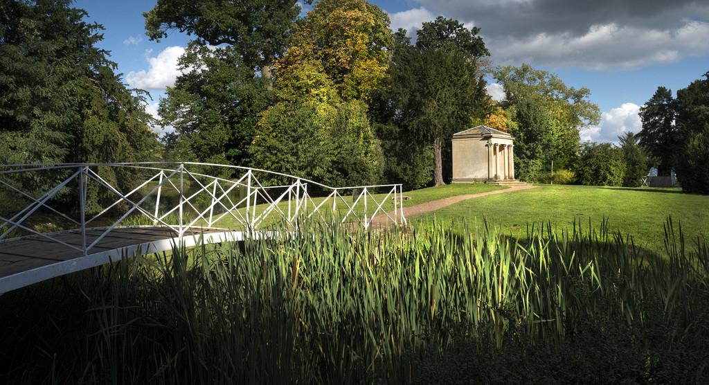 Island Pavilion by lupus