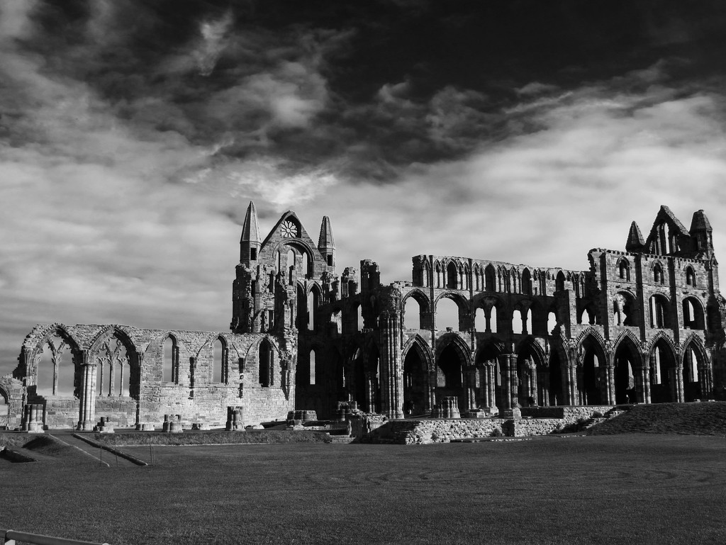 Whitby Abbey by s4sayer