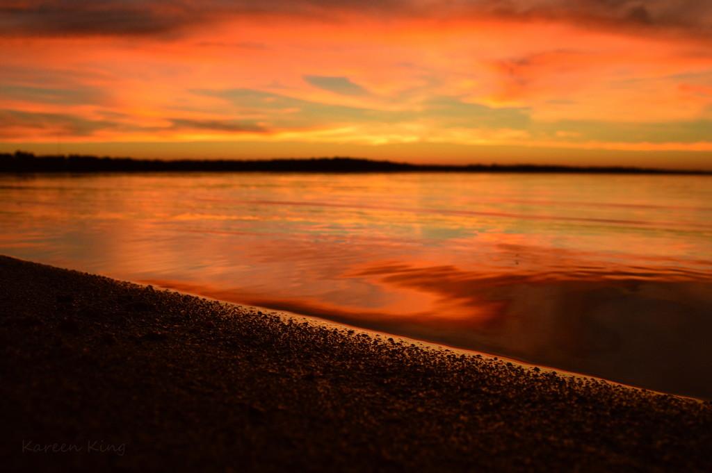 Pomona Lake Sunset 10-27-16 by kareenking
