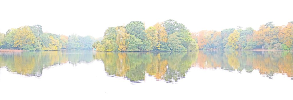 Reflections of an Autumnal Lake by phil_sandford