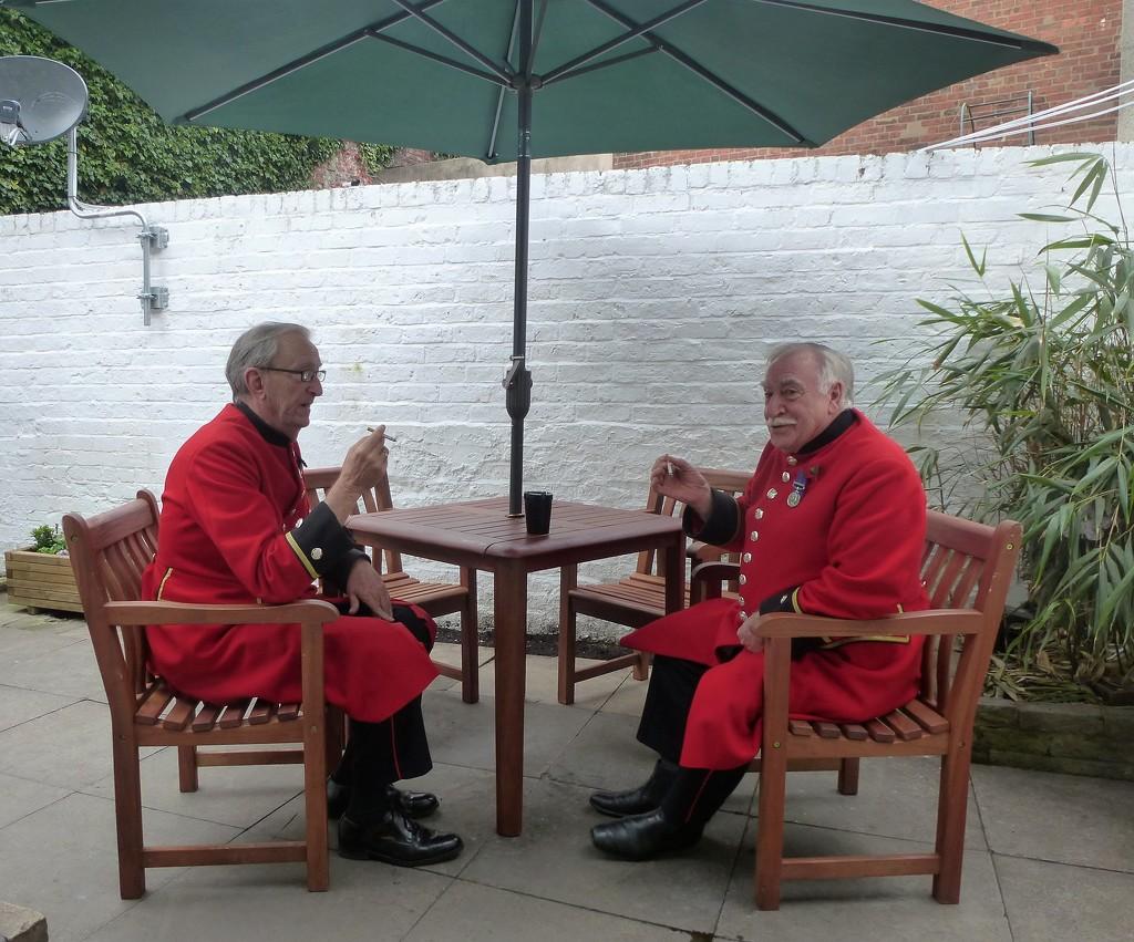 Chelsea pensioners, taking a break  by brennieb
