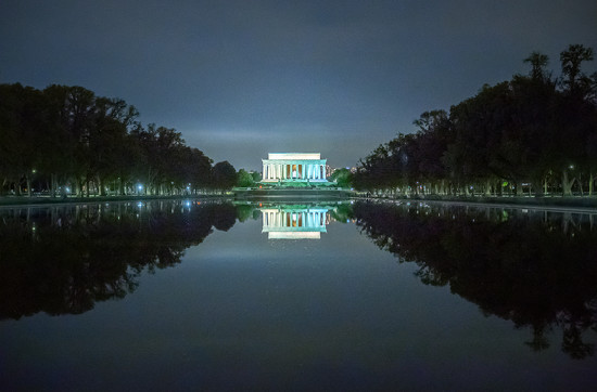 Lincoln Memorial at Night by rosiekerr