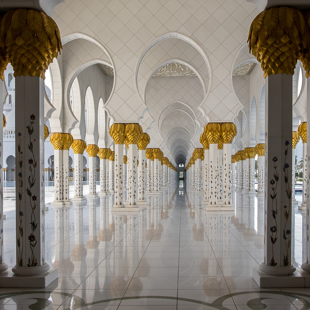 Sheik Zayed Grand Mosque by golftragic