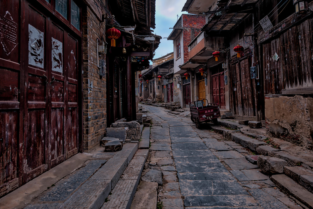 Daxu Ancient Town Street by taffy