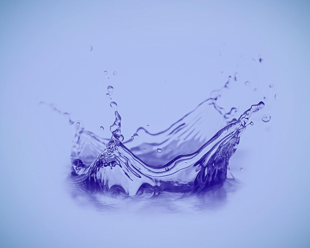 Splash by rosiekerr