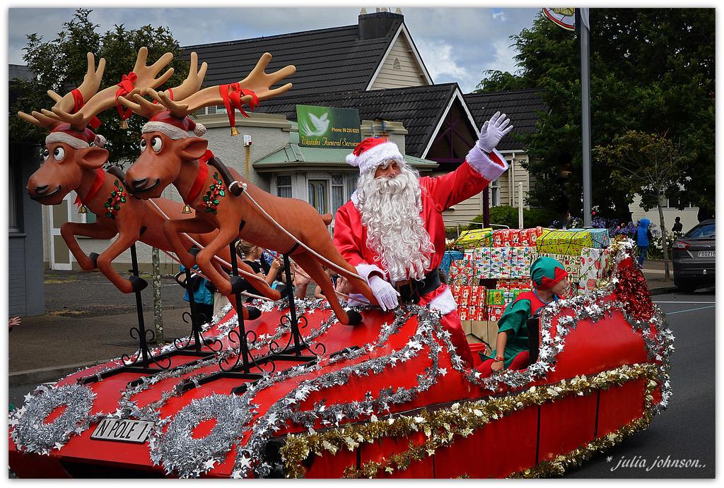 Santa came to town... by julzmaioro