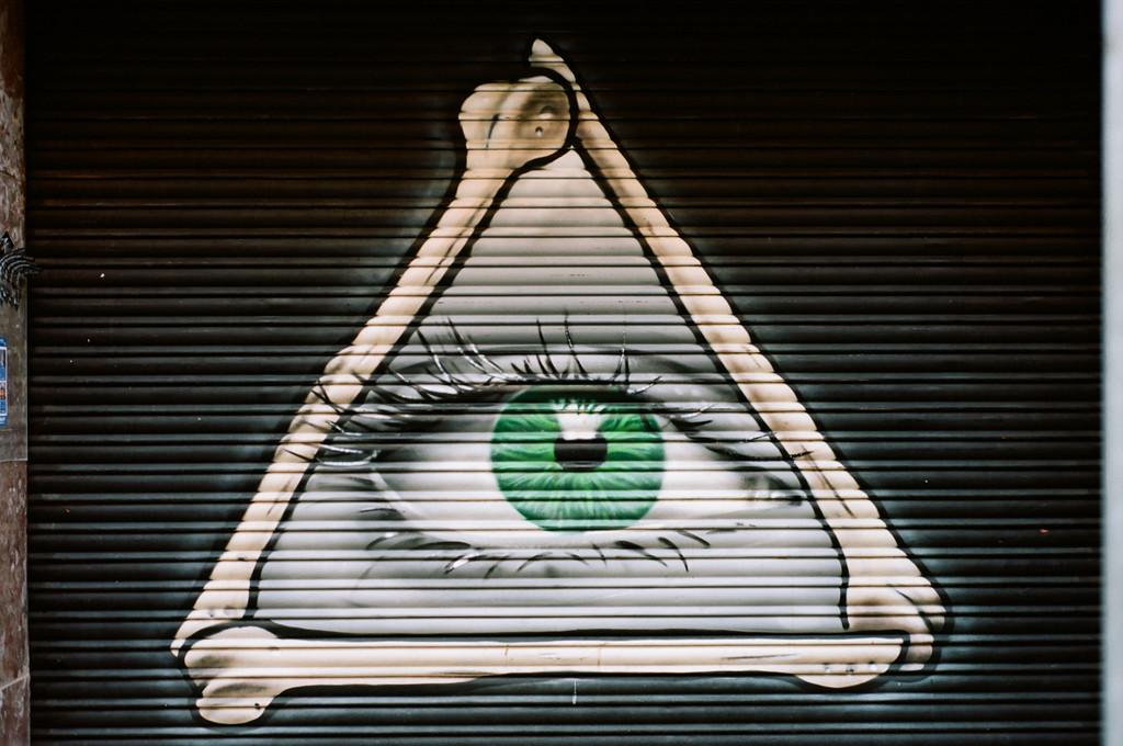 All seeing eye by jborrases
