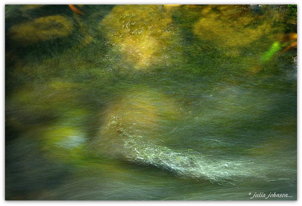 Abstract H2O by julzmaioro