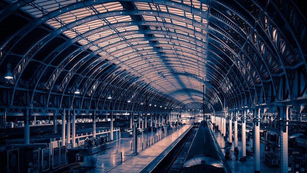 Paddington 8am by pasttheirprime