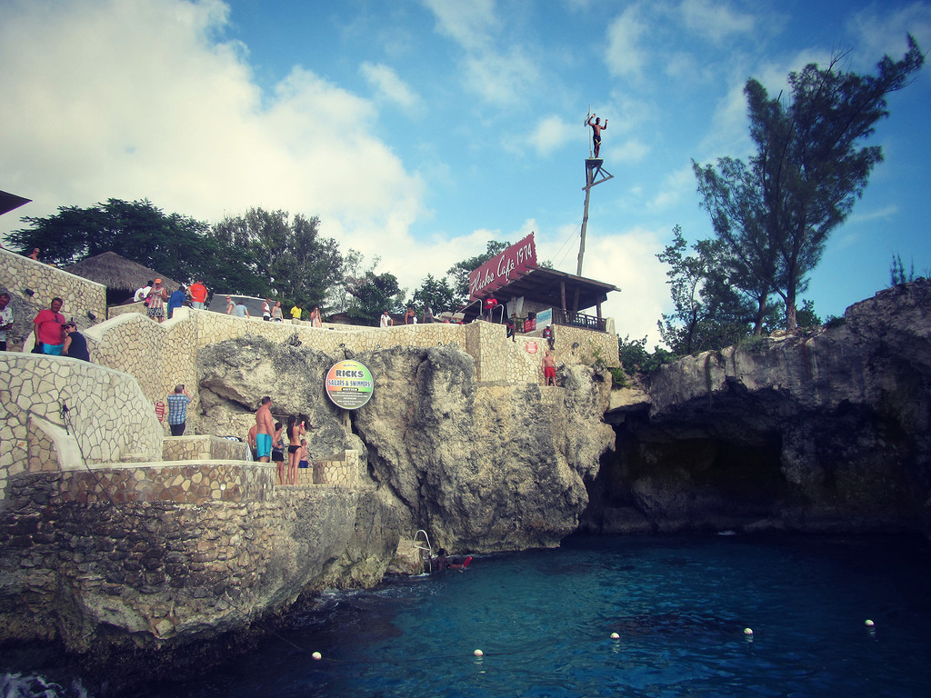 Rick's Cafe Cliff Diving by pdulis