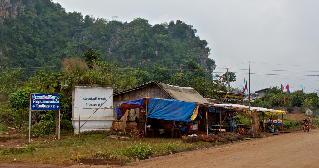 Vieng Xai roadside stall by golftragic