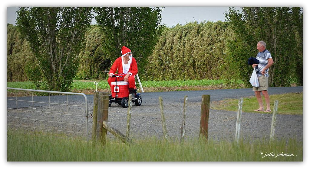 Santa's arrived Downunder.... by julzmaioro