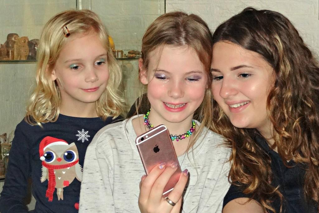 my granddaughters by gijsje
