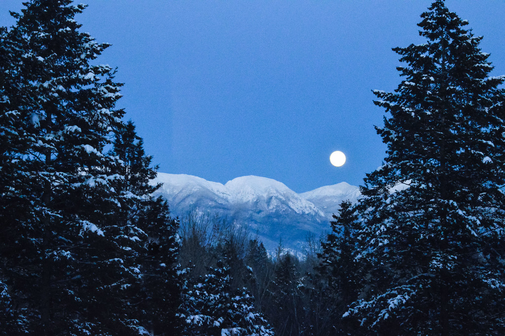 Moon over the Swan Mountains by 365karly1