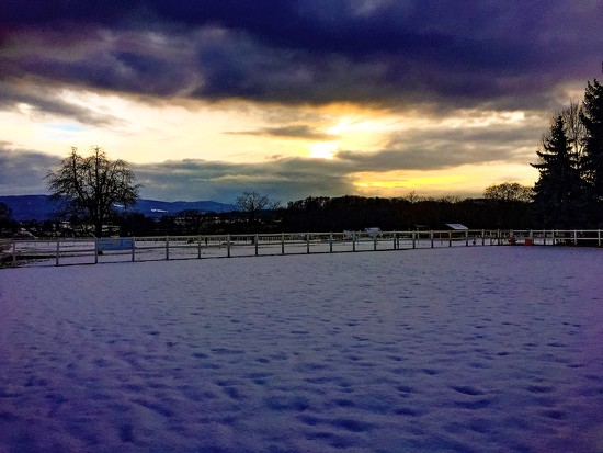 Sunset on snow by cocobella