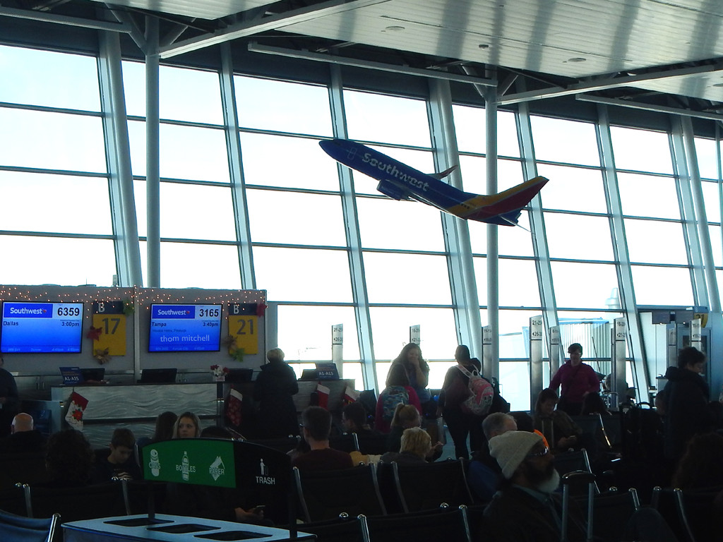 Travel day: jet inside the terminal… by rhoing