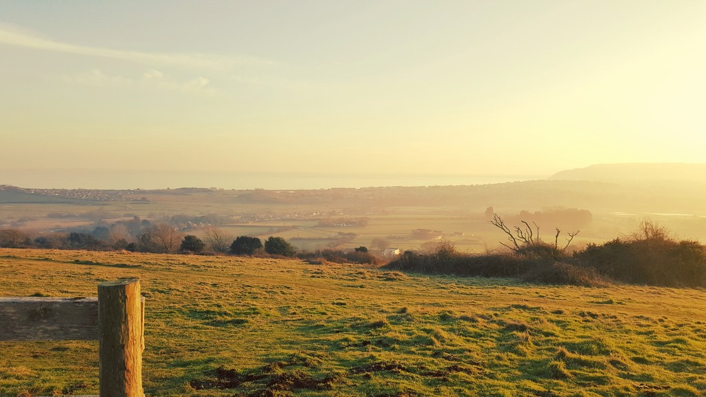 Early evening on the downs  by iowsara