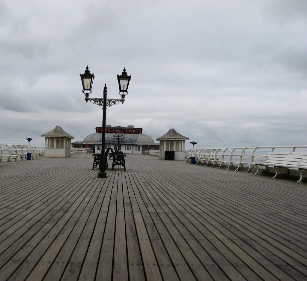 Cromer Pier by jakey